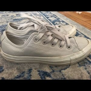 Converse Shoes - Converse size 5.5 gray leather shoes